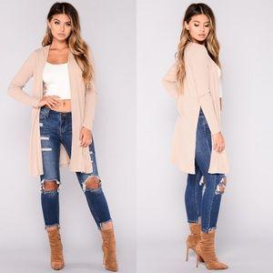 Sweaters - Fashionable long cream Cardigan